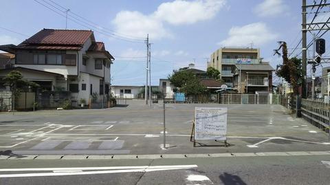 京成八幡駅踏切そば