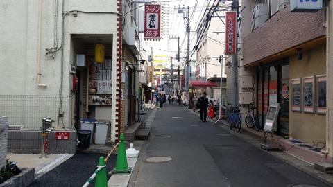 本八幡駅南口
