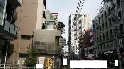 JR本八幡駅南口の行徳街道