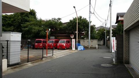 市川郵便局横の道路