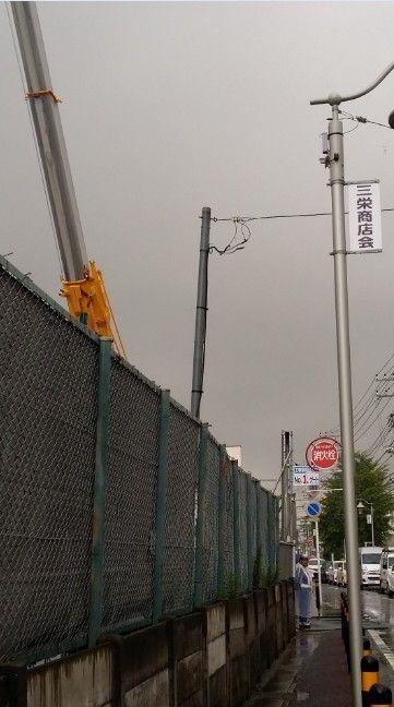 イオンタウン市川大和田店のクレーン車転倒事故