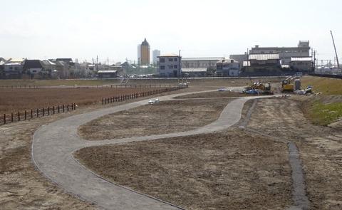 国分川調整池緑地の休息広場工事
