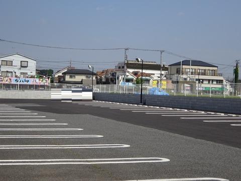 パッパパスタ市川店駐車場