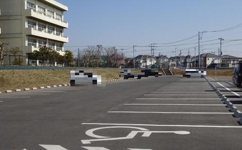 国分川調整池緑地の駐車場